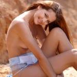 נטלי-בת 22 בקריות - נערות ליווי בחיפה